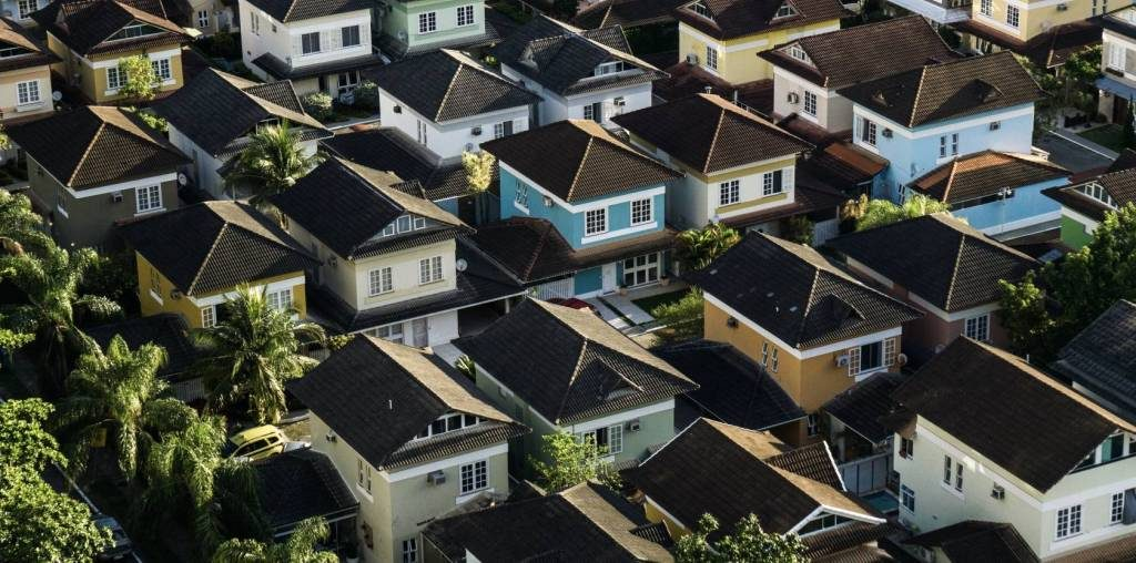 What is the Difference Between Condo Strata HOA and Co-Op Association?