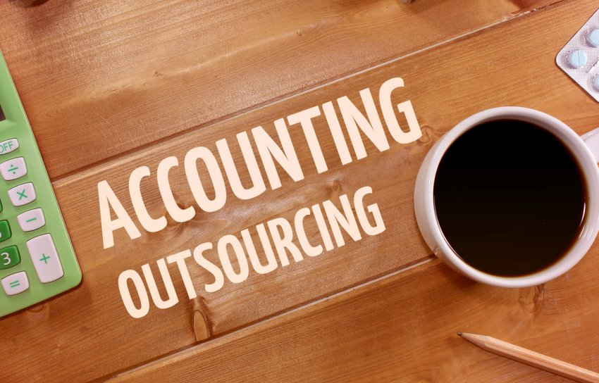 Factors Influencing Finance & Accounting Outsourcing Success [Infographic]