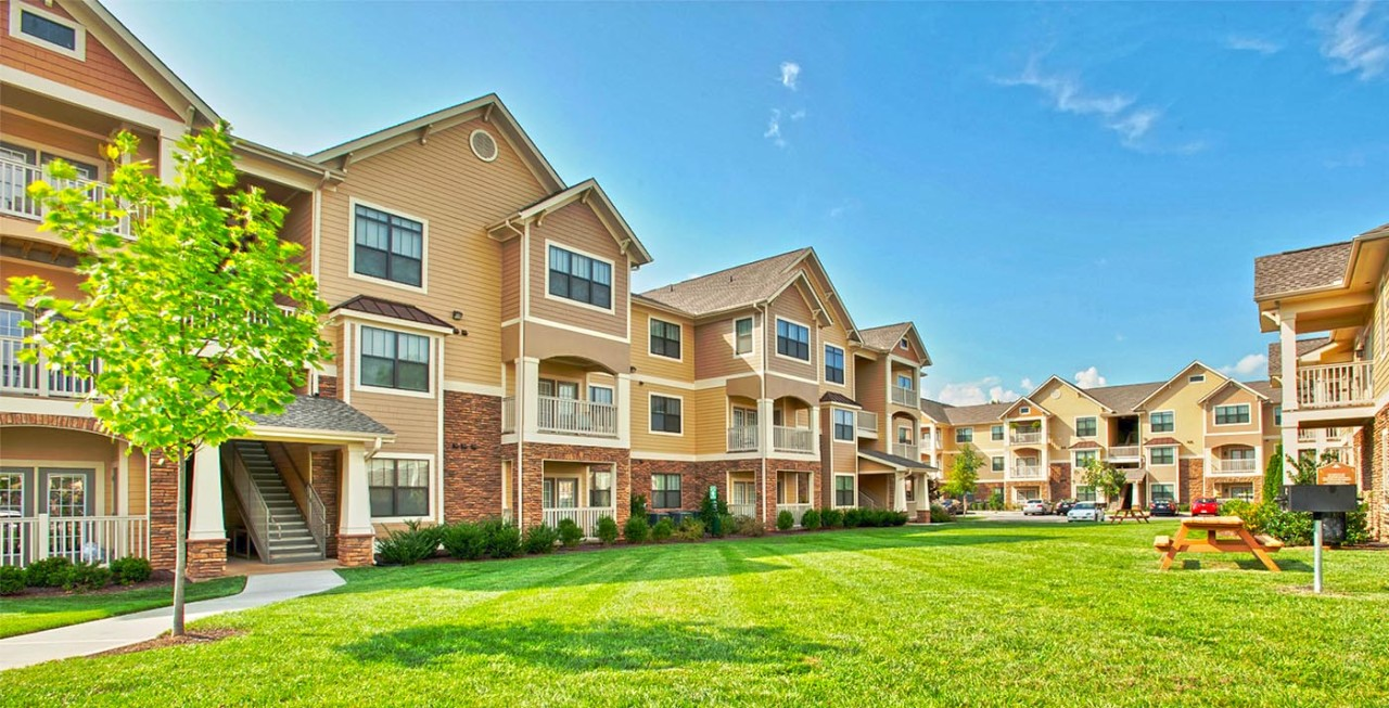 The Right Investment Option: Single-Family or Multifamily Rentals